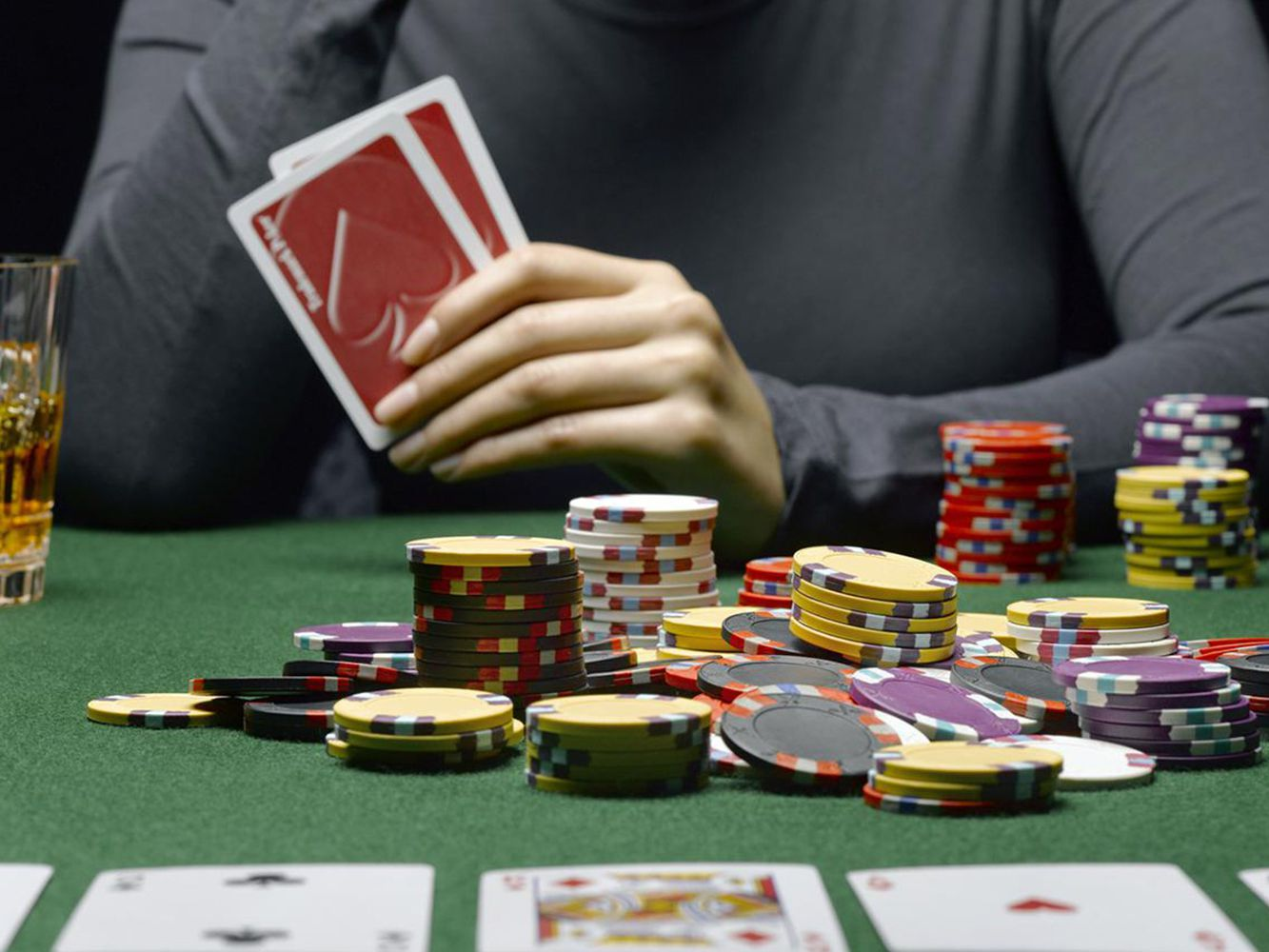 Poker Basics – Becoming an Expert Poker Player